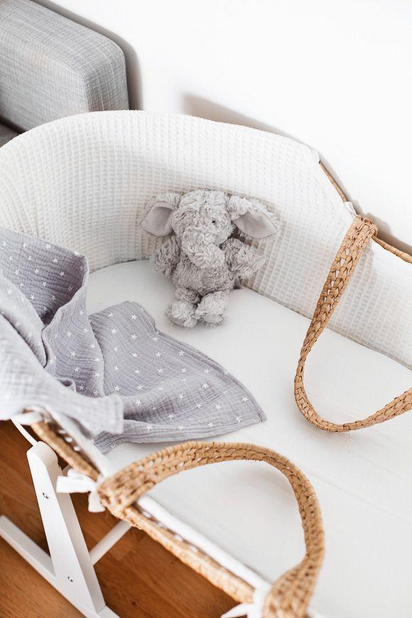 les 25 meilleures id es de la cat gorie couffin b b osier sur pinterest couffin osier. Black Bedroom Furniture Sets. Home Design Ideas
