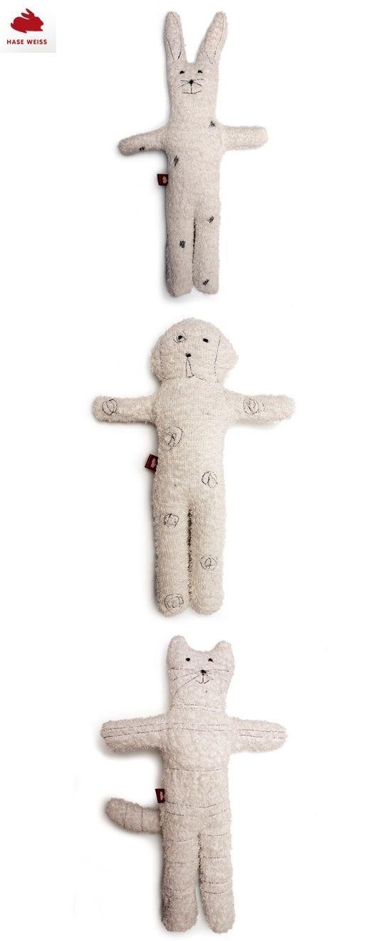 #cuddletoy #rabbit #dog #cat #Kuscheltier #Katze #Hund #Hase aus naturweißem Frotteestoff mit Schafwolle gefüllt, werden in einer Behindertenwerkstatt bei Rostock gefertigt.