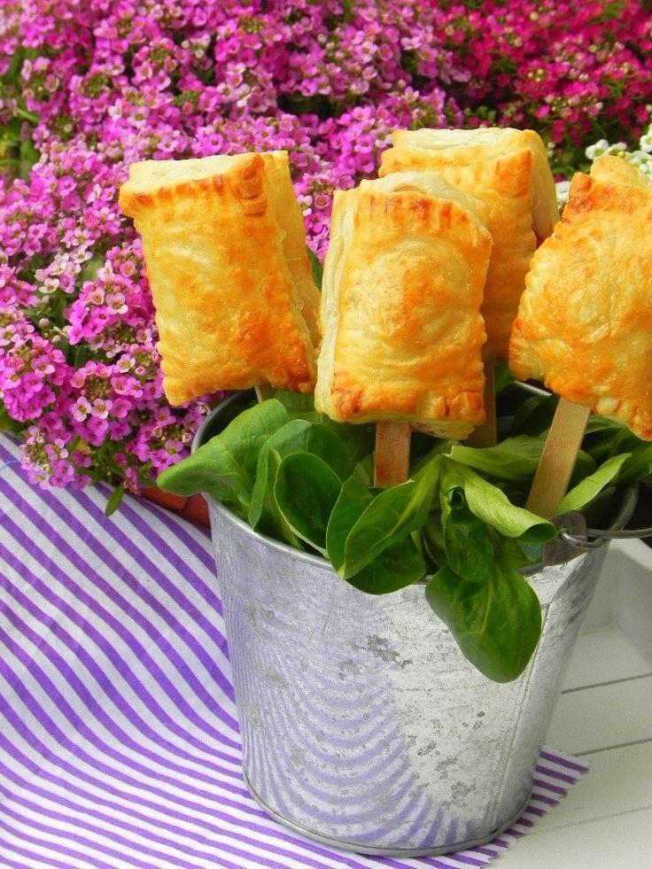 Piruletas de brie y mermelada de frambuesa | CocotteMinute                                                                                                                                                                                 Más
