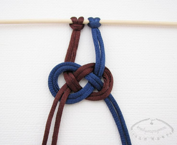 Macrame Josephine knot pattern - Photo tutorial (in polish)