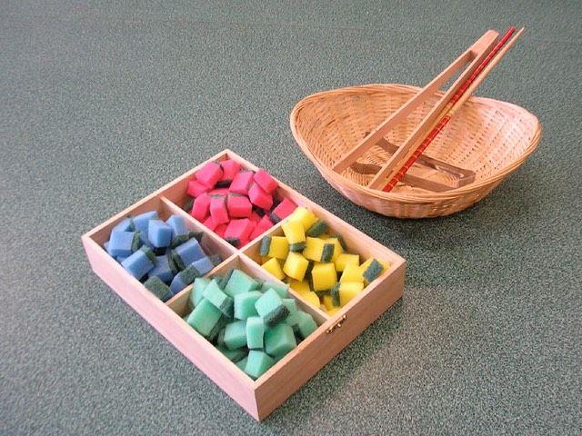 Sorteren op kleur (schuursponsjes)   Montessoriwerkjes   L.v.B.