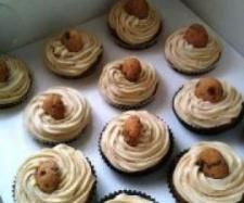Recipe Chocolate Chip Cookie Dough Cupcakes by PonderosaGirls - Recipe of category Desserts & sweets