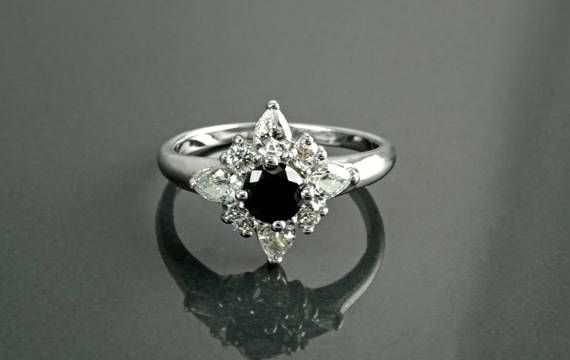 Bague Marquise Etoile Noire Couleur Diamant Noir Argent par KRAMIKE