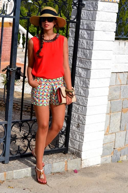 Unfortunately I have a bubble bum and patterned shorts often just serve to make it look bigger. But I wish I could rock this outfit!