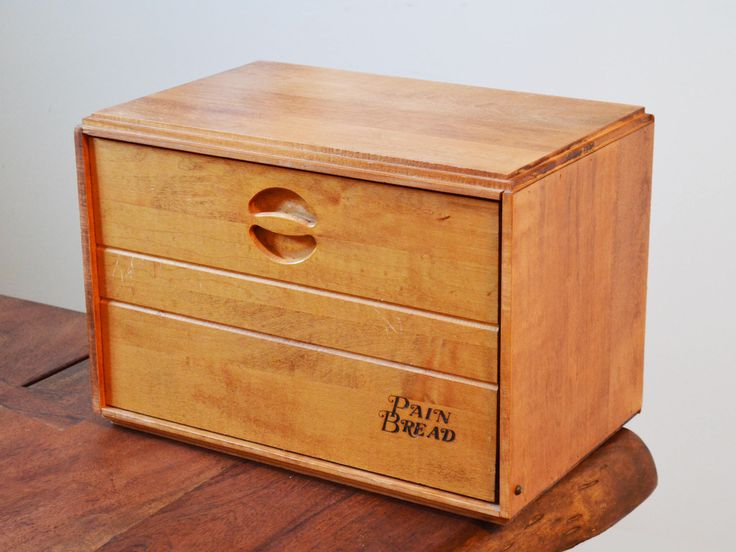 Baribocraft Maple Wooden Bread Box, circa 1960s from Montreal, Canada. Vintage Canadiana with interior shelf by Trashtiques on Etsy https://www.etsy.com/ca/listing/568402988/baribocraft-maple-wooden-bread-box-circa