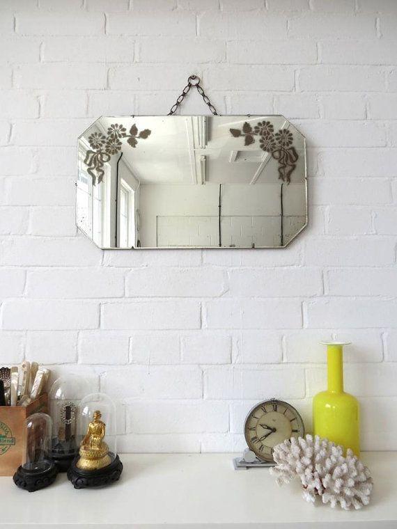 Vintage Art Deco afgeronde rand wand spiegel met gegraveerde patroon
