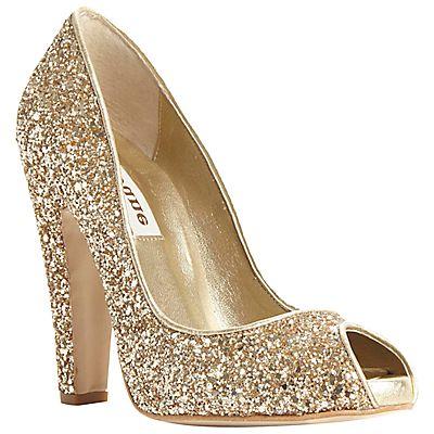 Gold wedding shoes | Glamorous Gold Wedding Shoes | Fashion Photos #saveoncrafts #dreamwedding