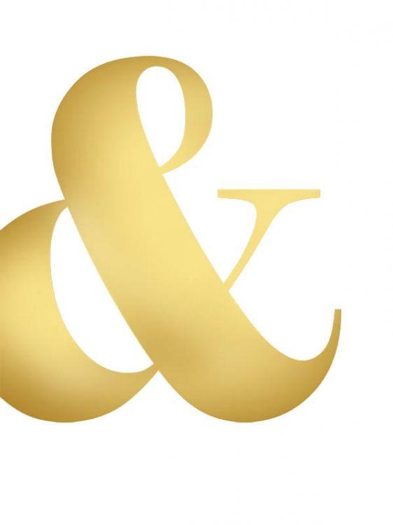 Guldposter med &-tecken / ampersand. Snygg och modern poster med guld i grafisk stil. Desenio har massvis med snygga prints, affischer och posters i guld och grafisk stil.