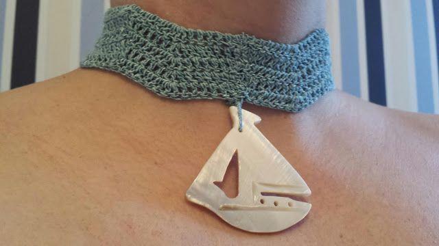 Collar crochet en azul turquesa con colgante de concha en forma de barquito velero. Crochet Ladies #collar#gargantilla#crochet#ganchillo#necklace#crochet ladies