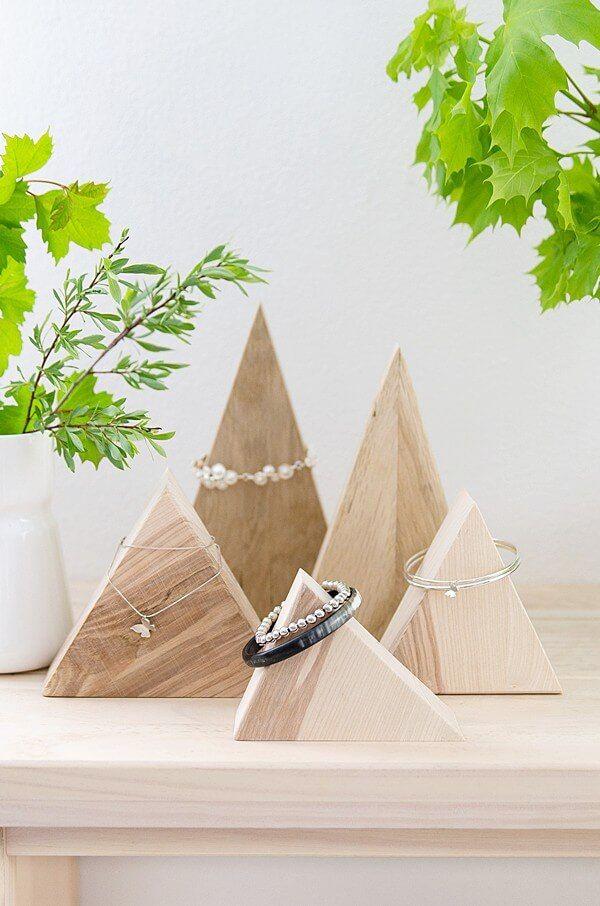 Schmuckaufbewahrung aus Holzresten