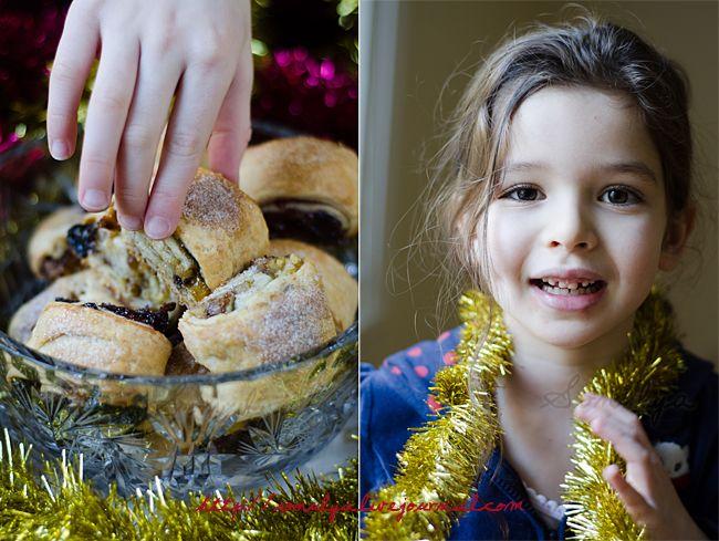 Признаюсь сразу - печенья, да и вообще сладкого, в этом году будет много. Начну с печенья которое я испекла специально для Наташиного Cookie Club 2011 . По правилам в этом…