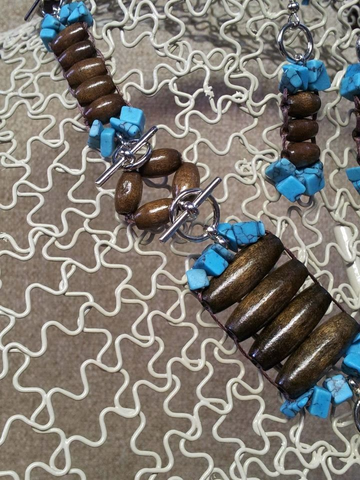 Unique Ways to use Toggle Clasps. Visit http://makeyourowneyekandy.blogspot.com/ for ideas and learn how to stitch beads.