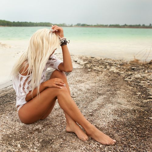 #summer #tan #want my hair back this blonde!