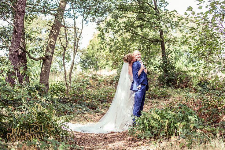 Bruidspaar, bos, park, romantisch, kleurrijk, mystiek, lief, bruid bij bruidegom