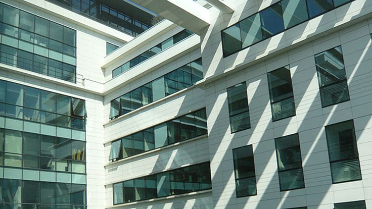 Instalaciones en Paris de Jacobs Engineering Group #muebles #oficina #ofival #silla #mesa #mampara #arquitectura