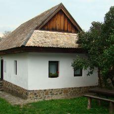 Hollókö, Hollóköves Vendégházak Pászti belső ház, Raven Stone Cottages Pászti inside house