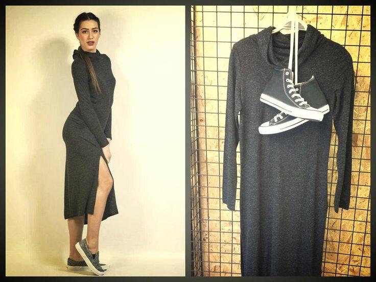 Μινιμαλιστική η επιλογή μας σήμερα για εσάς , γιατί ναι μεν μας αρέσουν τα χρώματα και η διάθεση που αποπνέουν αλλά σαν ένα απλό μακρύ γκρι σκούρο φόρεμα δεν έχει. Τον τελευταίο καιρό έχει επικρατήσει ο μινιμαλιστικός σχεδιασμός στα ρούχα και όσο περπατάμε στα μονοπάτια της μόδας συναντάμε μονόχρωμα και όσο τον δυνατόν απλά στιλιστικά δημιουργήματα...