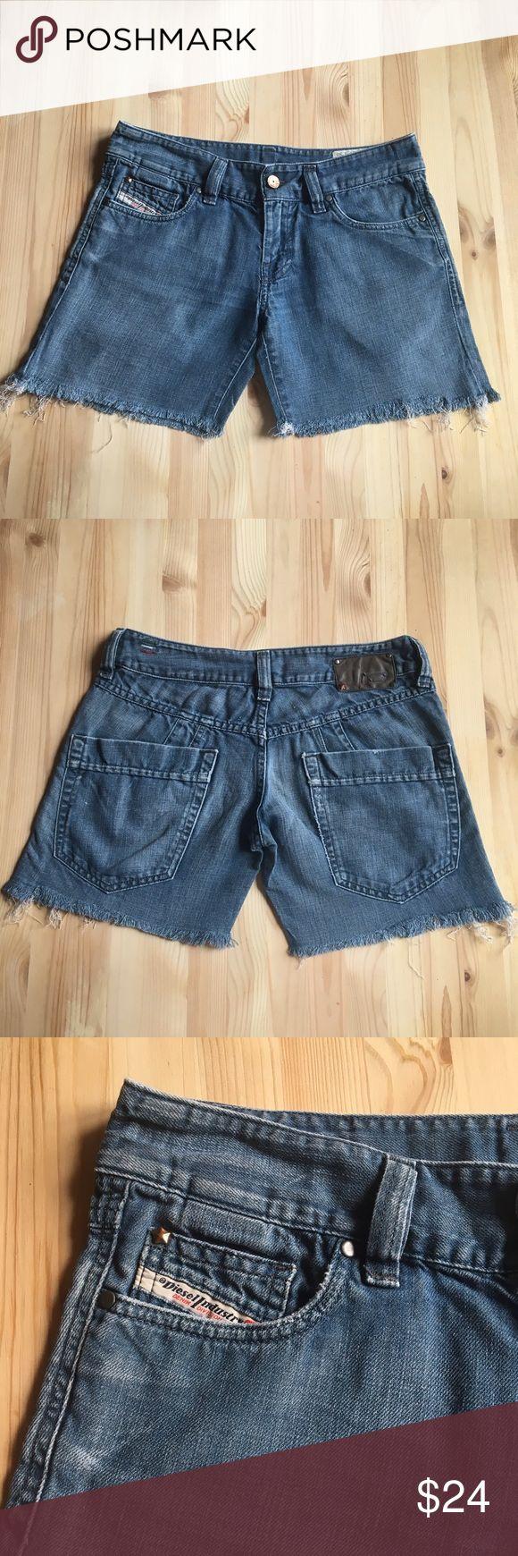 """Diesel Denim Shorts Cutoff Distressed Frayed Sz 27 56% cotton, 44% Linen, inseam 5"""", waist 15.5"""" Diesel Shorts Jean Shorts"""
