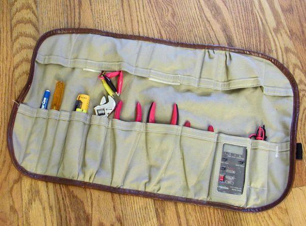 Porta-ferramentas de tecido é prático e não ocupa espaço.