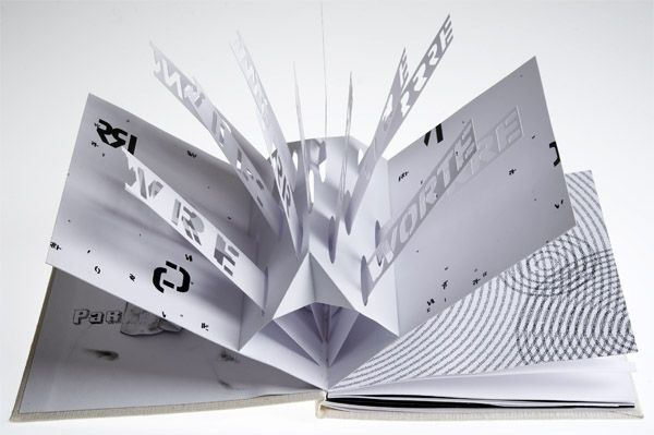 Nadia Groff: 3d typography|Pop-up book