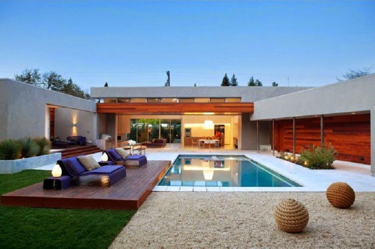 Contemporary Residence With A Contemporary Pool and Patio