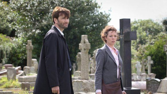**SPOILER WARNING** Don't read if you haven't seen Episode 3. **LAST CHANCE**  Broadchurch Episode 3 gave us a lot more clues into secrets hidden by the people of Broadchurch. Mark Latimer (Andrew Buchan) is having an affair and attempted to hide from the police. Karen White (Vicky McClure) and DI Alec Hardy (David Tennant)...
