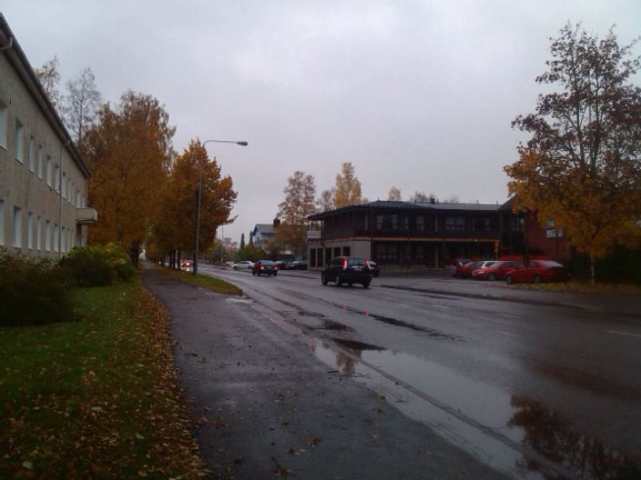 Going out on Outum in Finland, the temperature is not so bad, but one day per three is rainy so better if your sport gear contains shoes and clothes suitable to endure the rain and wind...