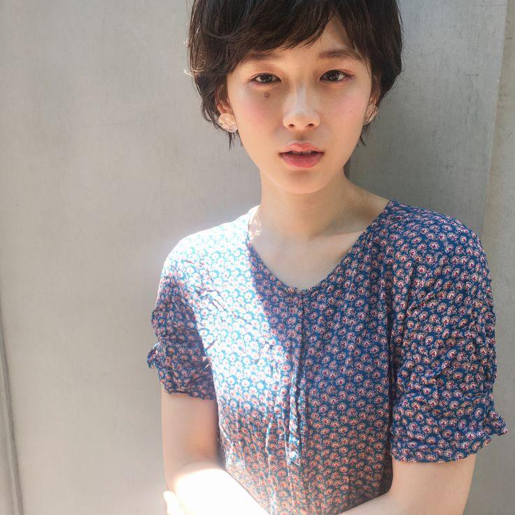 【ゆるふわ愛されショートヘア】 夏はさっぱりおしゃれショートがオススメです?? ・ メイクも今年のトレンド? 【アーチ太眉】【うる艶ベール肌】【シーズンレスカラー】 久しぶりのごうちゃんありがと♪♪♪ ・ #GARDEN#Ramie#美容師#美容室#東京#銀座#TOKYO#DJ#メイク#カラーリング#カット#トリートメント#パーマ#モデル募集#モデル#メッシュ#ピンク系#ウォームトープ#撮影#tonsoku#ar#アール#ブルージュ#ハイライト#アッシュ#ボブ#アレンジ#ショートヘア #新垣結衣#田中美保