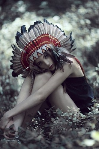 """i want a head dress :)"" You cannot have one. They are for Plains Natives not for white chicks who are clueless and offensive."