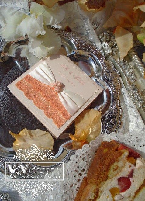 Barack színű csipkés álom esküvői meghívók - 5 féle stílusban - V&V Dream Flowers esküvői meghívók, menü- és ültetőkártyák, köszönetajándékok
