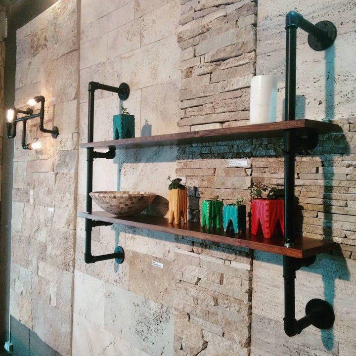 "Esta estanteria se fabrica con cañería plommer de 3/4"" (26mm ø) con accesorios galvanizados & madera maciza."