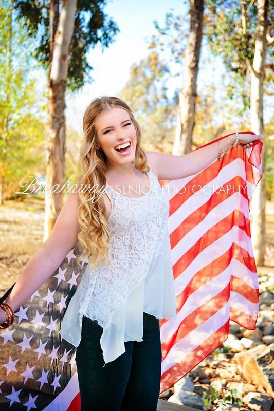 Breakaway Senior Photography Breakaway | graduation portraits | non-traditional | Orange County, CA #breakaway #seniorportraits #seniorphotography #graduationpictures #contemporary #fields #fences #park #path #outdoors #natural #seniorpictures #fieldsseniorgirls (14Dc)