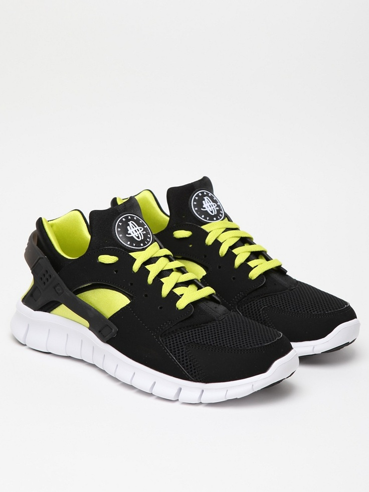 Mens Nike Air Max 2011 : Shop Hot Nike Roshe Run Shoes from nike top ten  store with Fast Shipping And Easy Returns