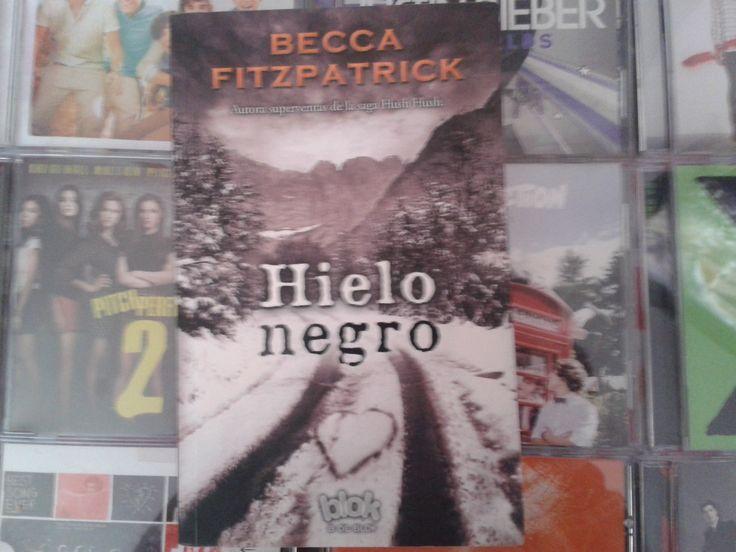 """Hielo Negro"" escrito por Becca Fitzpatrick:"