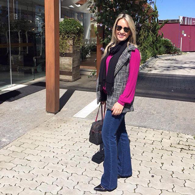 A linda arquiteta @brubrumz esbanjou elegância com seu #zadar no friozinho que fez em Balneário Camboriú nesse final de semana! Adoramos o look! #coleteria sempre♡  #coletâneamundo #zadar #tweed #colete #coletes #coletefeminino #vest www.coleteria.com.br