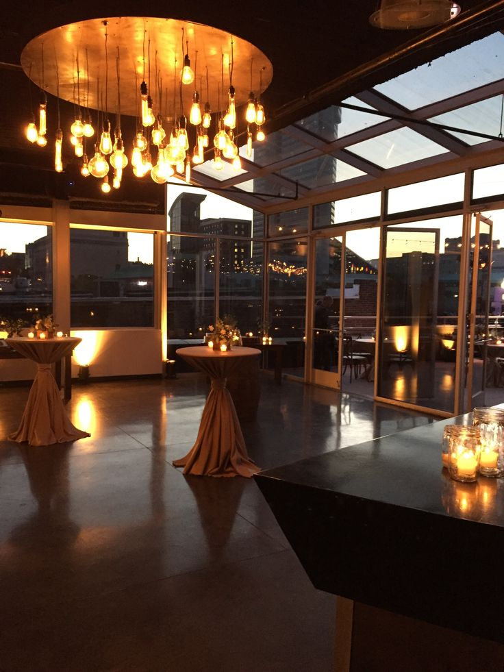Corporate reception at aerial // downtown nashville meeting venue // downtown nashville rooftop // designed by aerial nashville // rentals by southern events