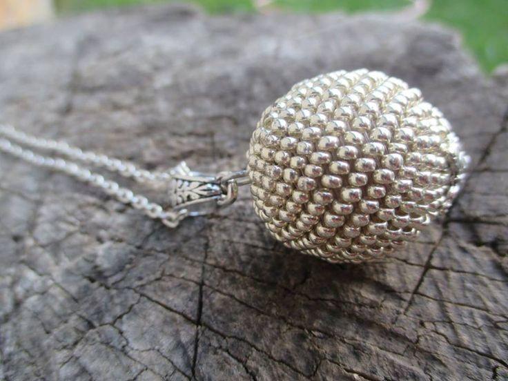 big beaded ball, bracelet https://www.facebook.com/sperkymari/