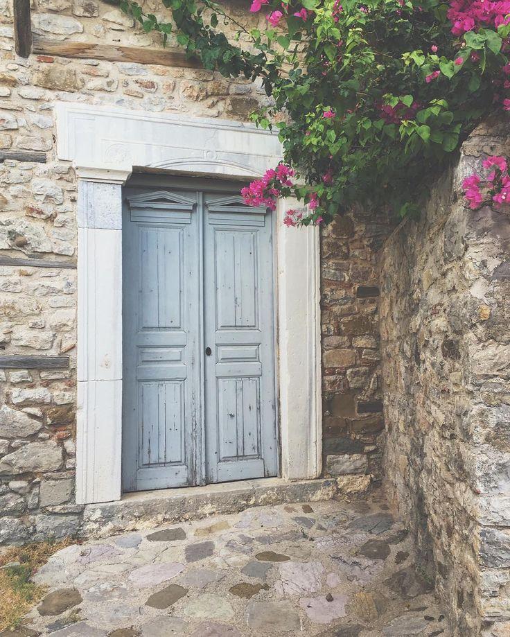 Natural Beauty..  • • • • • • #visitgreece #doorsofinstagram #nature #nafpaktos #photography #fashionblogger #talkingaboutf