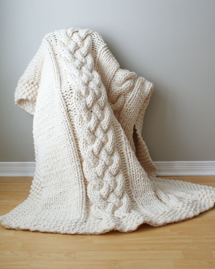 Easy Knitting Patterns For Throw Rugs : Throw Blanket Super Chunky Double Cable Acrylic Throw Blanket / Rug A?