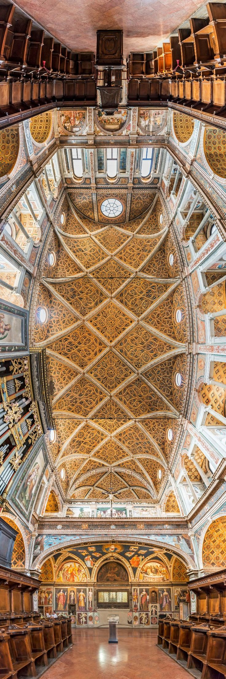 Panoramic Photos Capture The Architectural Artistry of the World's Churches