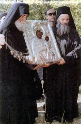 Πνευματικοί Λόγοι: Άγιος Παΐσιος Αγιορείτης: Να ψέλνης το «Πάντων προστατεύεις, αγαθή» και το «Πάντων θλιβοµένων η χαρά»