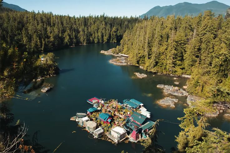 freedom-cove-vancouver-island-floating-sustainable-island-designboom-02