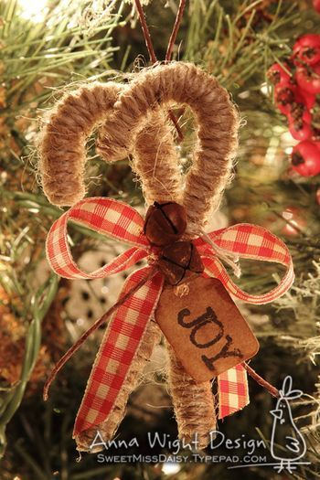 TWINE CANDY CANES...would be so EASY TO MAKE and a great project for kids!!!