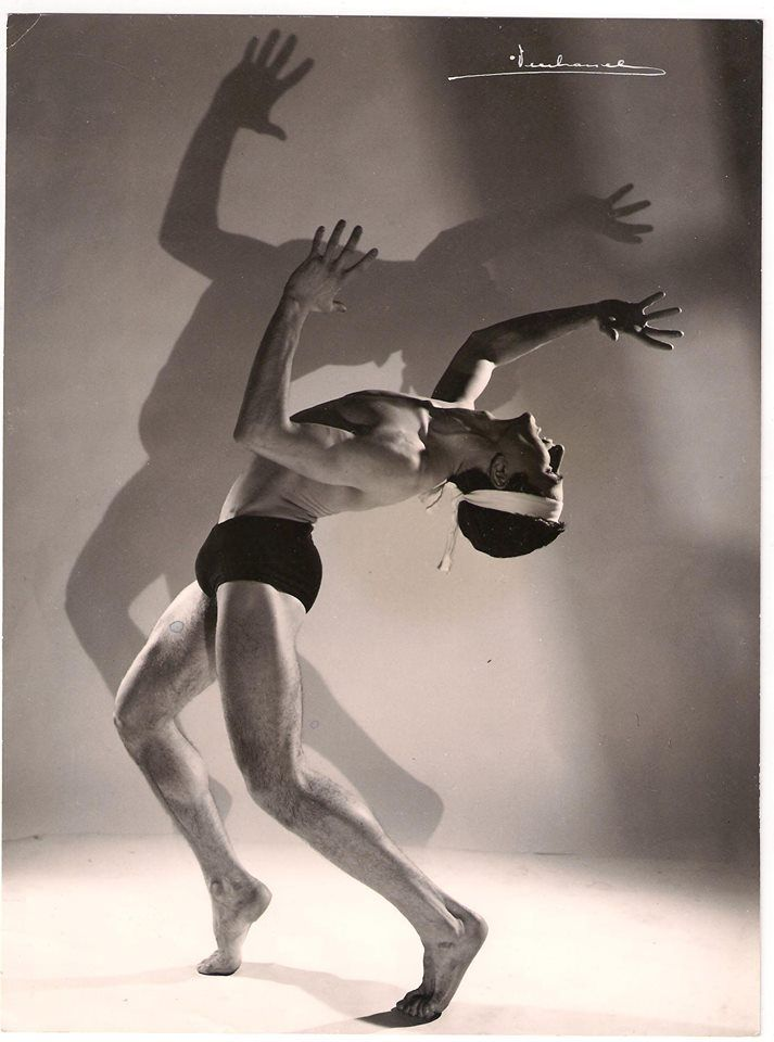 VITTORIO BIAGI NEL BALLETTO DI MAURICE BEJART titolo PROMETEOSIAMO NEL 1963 BALLET DU XX SIECLE A BRUXELLES