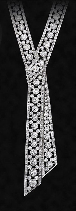 JE CALDWELL Philadelphia.c1920.Magnificent diamond and platinum sautoir necklace