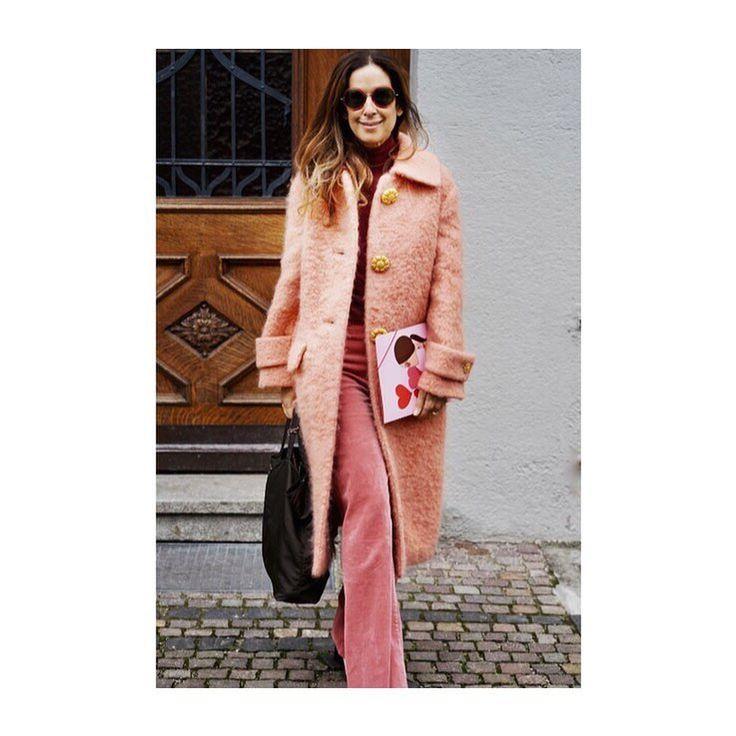 いいね!266件、コメント4件 ― IRMAさん(@irmasworld)のInstagramアカウント: 「About my latest colaboration and different shades of pink👉🏻Link in bio - - - - - #pink #rose #coat…」