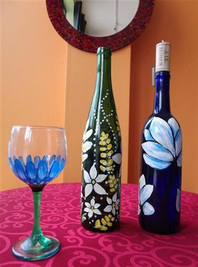 17 best images about glass bottle painting on pinterest for Wine bottle glasses diy