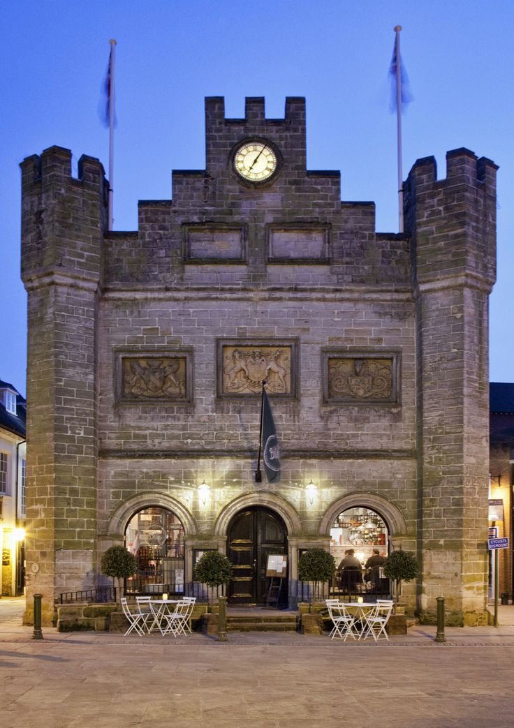 The Old Town Hall - rather magnificent - no? #billsrestaurant