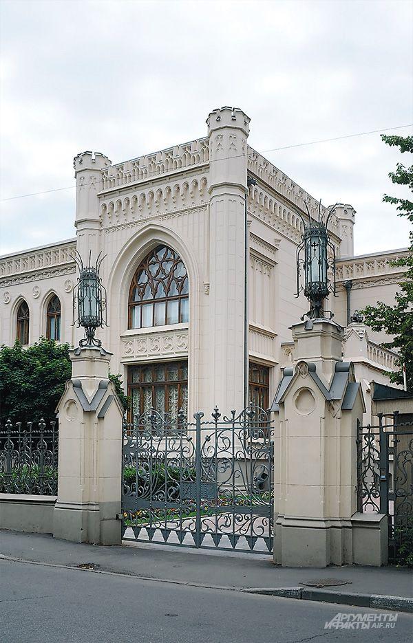 Готическая Москва. Морозов построил замок для... своей экстравагантной любви