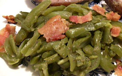 Baked string beans with bacon. Low carb side dish. Made it exactly as in recipe, and it turned out delicious. I will for sure make this again and again as a side dish. The entire family loved it.